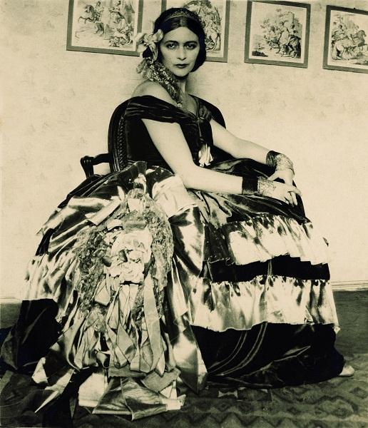 Edina Altara ritratta da Vittorio Accornero, 1929 (Archivio Altara)