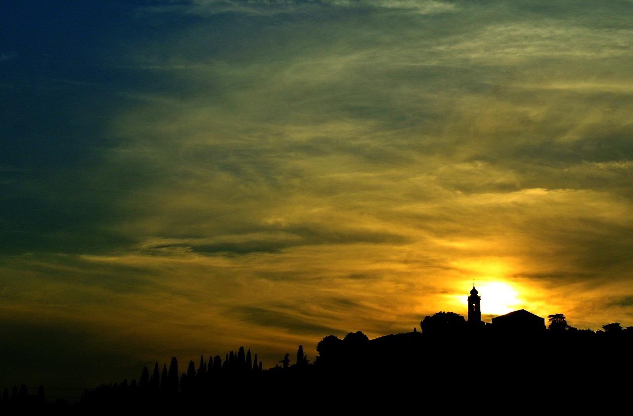 I'll tell you how the sun rose, www.matteotuveri.it (CC0 Public Domain)