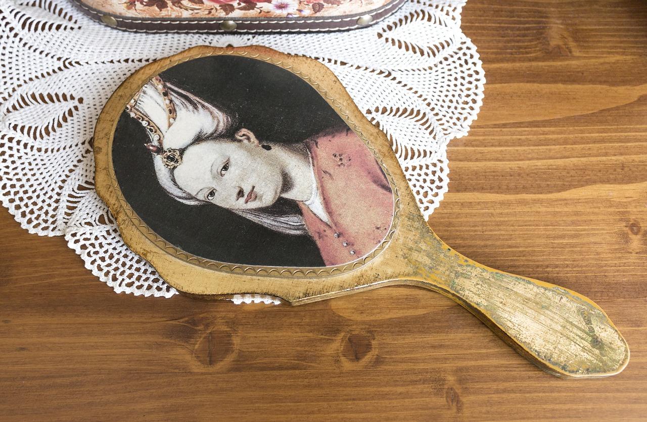 Indossate una corona sulle vostre dolcezze, una novella di Matteo Tuveri (Picture CC0 Public Domain)