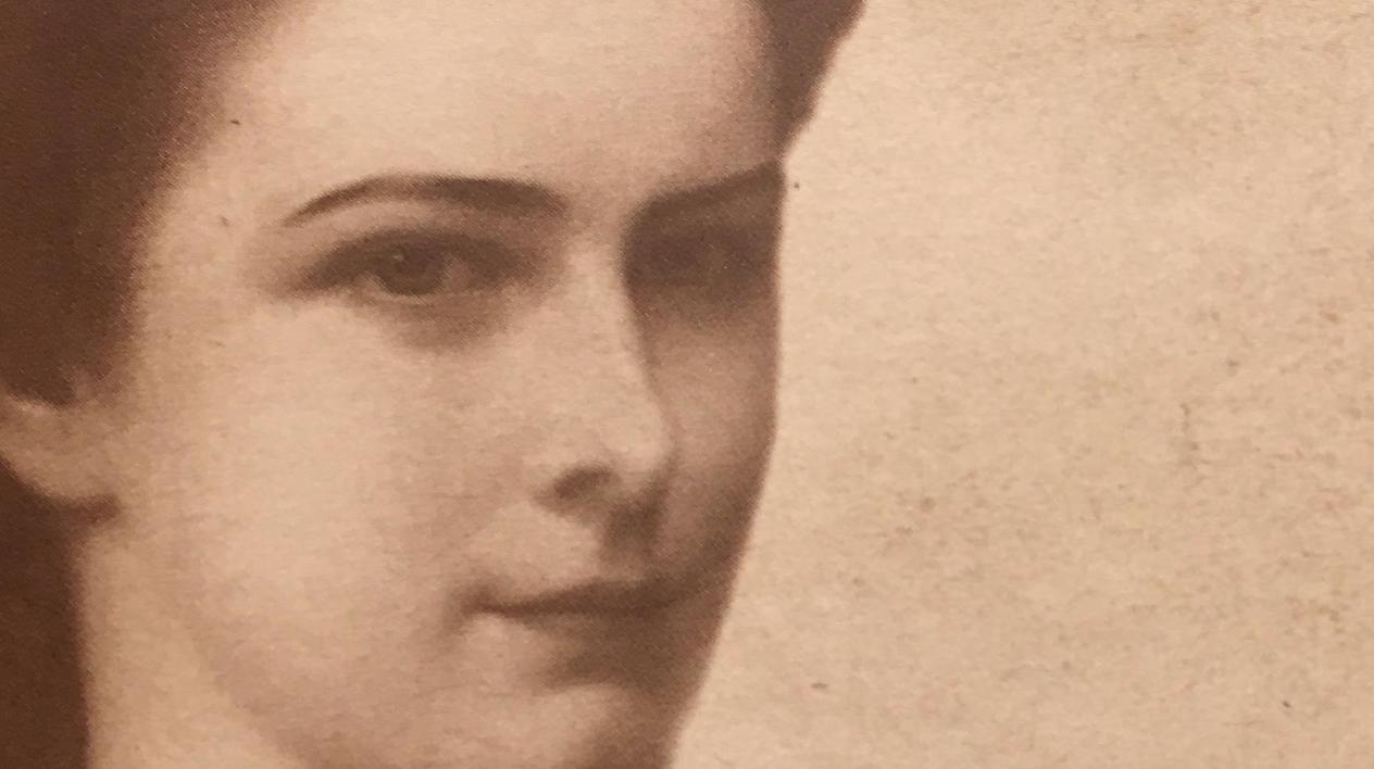 """Specchi ad angoli obliqui. Diario poetico di Elisabetta d'Austria. Seconda Edizione"""" (Aracne Editrice, 2019)."""