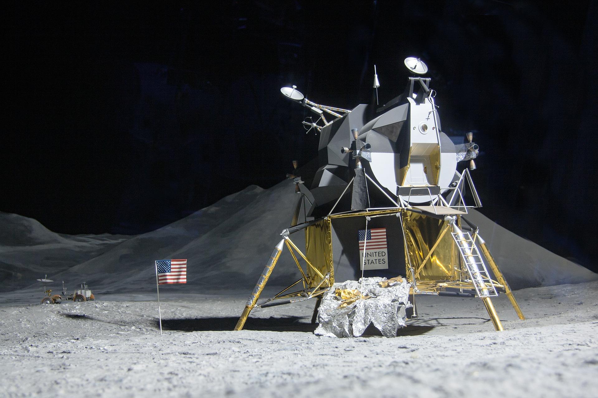 Modulo Lunare Eagle, pic by stux, Pixabay License, Libera per usi commerciali , Attribuzione non richiesta